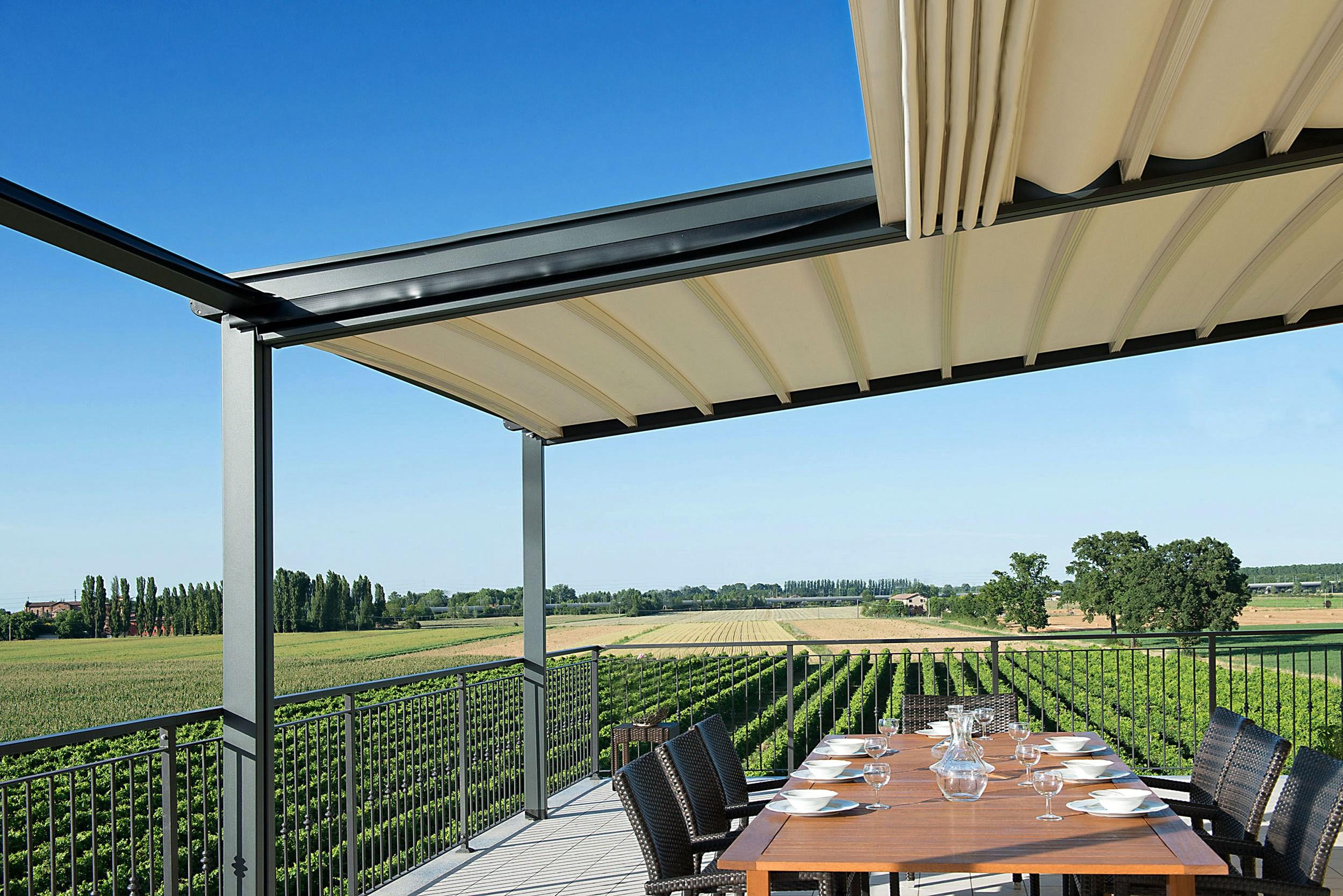 Quale tenda da sole scegliere per la propria casa for Tenda terrazzo